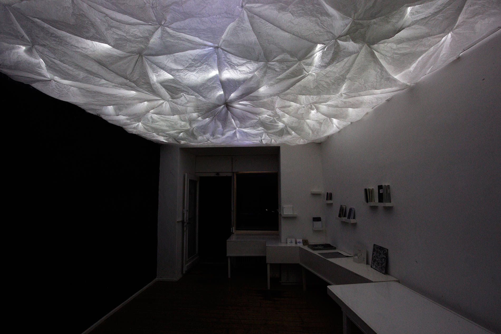 crumple white pendant lamp lighting work crumple crumple white pendant lamp lighting beautiful the resulting effect of largescale paper light shading on gallery space this installation consists
